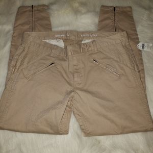 *NWT* Gap Skinny Mini Khaki Pants